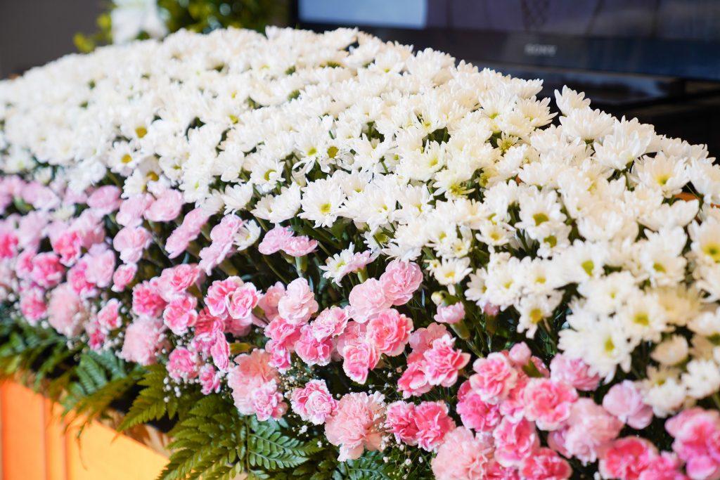 糸島の葬儀場「まごころ葬儀羅漢」花祭壇