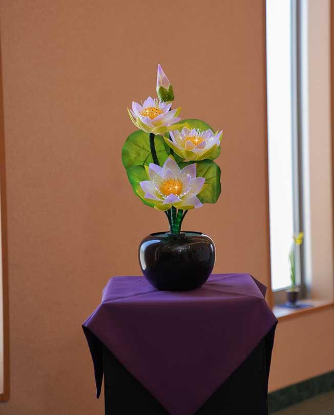ルミナス灯 蓮の花