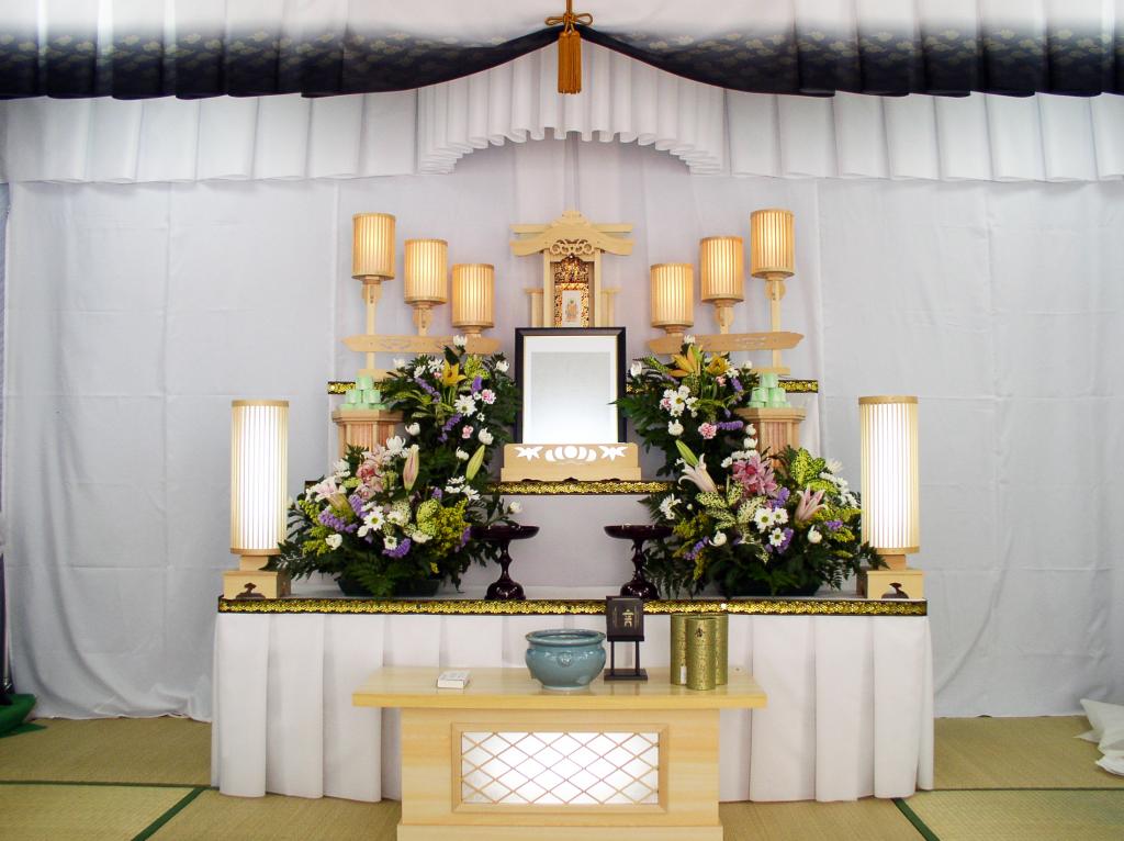 初盆祭壇 睡蓮